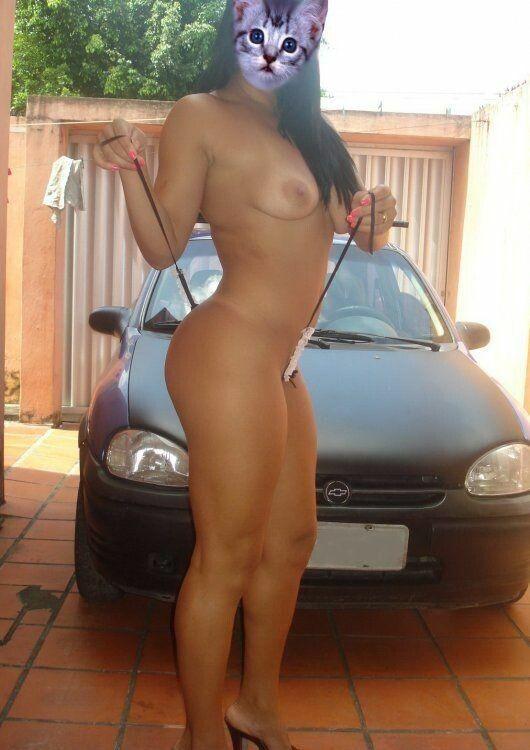 Mulher nua muito gostosa mostrando a buceta