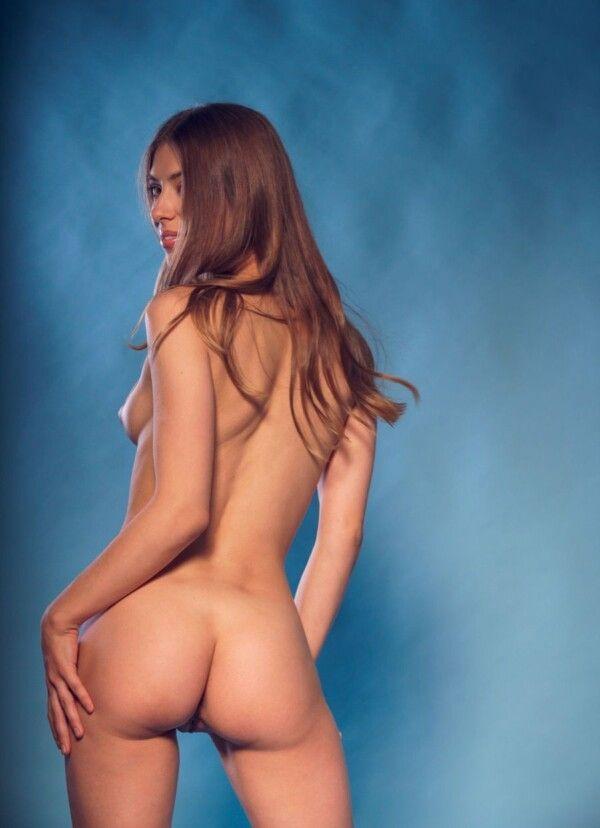 ninfeta-novinha-gostosa-completamente-nua-sensualizando-loucamente-8