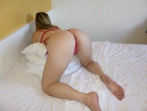 淘气-幸运-picking-in-the-blonde-pussy-22