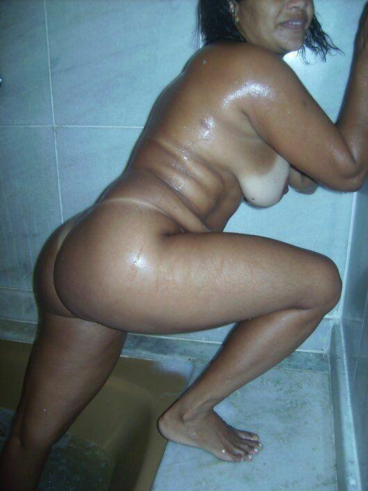 花圈美味在色情图片显示她的 buketone-13