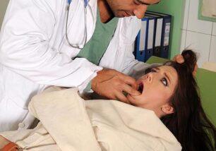 Medico safado abusando de paciente gostosa