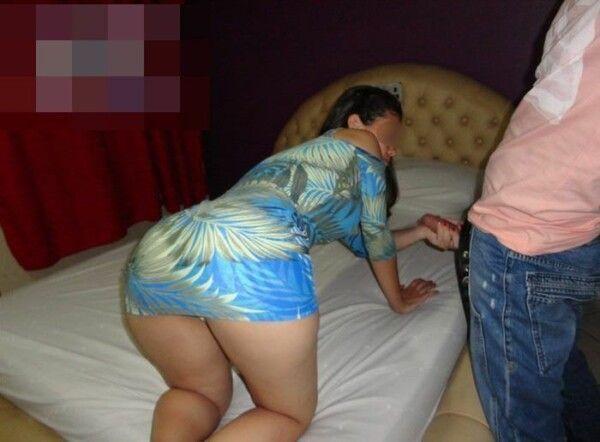 热女人有口交和肛交在超级豪华 0 汽车旅馆