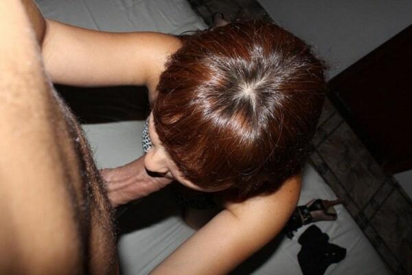 女朋友-paying-a-smashing-blowjob-20