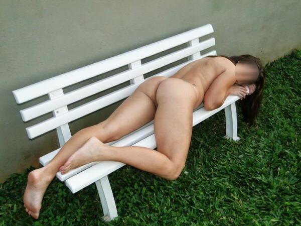 全新的展览家裸体业余图片 1