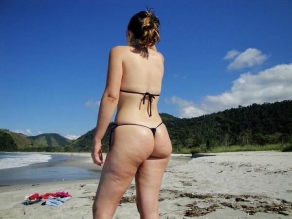 顽皮的尾巴绳在海滩上全棕褐色 4