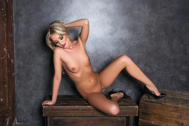 ung-slem-kjærlighet-tar-naken-bilder-3