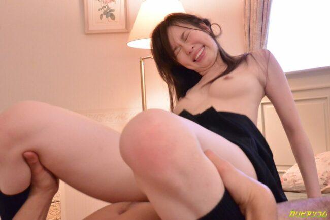 Āzijas-kails-pāris, kam ir sekss ar vibratoru-incītis-15