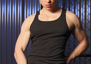 bangbros-gay-male-muscled-naked-on-stiff-0-306x214