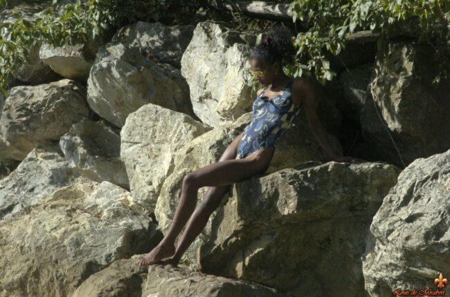 black-brazilian-naked-၀ တ်စုံ